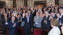 Le président Bachar al Assad (au centre) a prononcé dimanche un discours d'une heure devant le Parlement syrien. Il y a énergiquement condamné le massacre de Houla qui a fait plus de 100 morts il y a dix jours et a appelé les Syriens à s'unir pour mettre