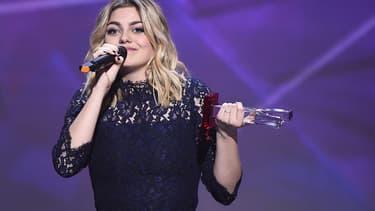 Louane, lauréate de la Victoire de l'album révélation, avec Chambre 12.