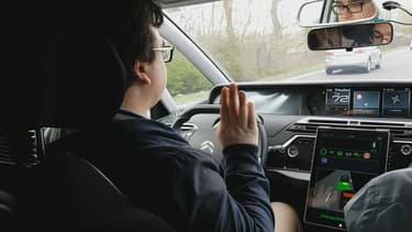 Un cabinet spécialisé est mandater pour recruter 100 personnes afin de tester des voitures autonomes sur Paris et sa banlieue. Les tests se dérouleront au cours des premiers mois de 2020.