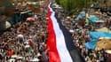 Manifestation hostile au président Ali Abdallah Saleh à Taëz, dans le sud du Yémen, en avril. Pendant des mois, les opposants à Saleh ont campé et manifesté par milliers pour exiger le départ de l'homme exerçant le pouvoir depuis 1978 à Sanaa et multiplia