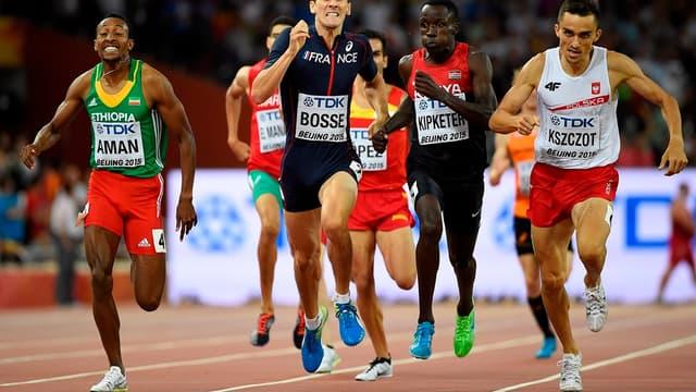 Pierre-Ambroise Bosse à l'arrivée de sa demi-finale mondiale du 800 m