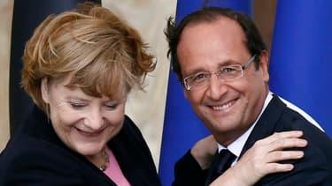 Angela Merkel et François Hollande se sont félicités de l'attribution du Nobel de la Paix à l'Union européenne.