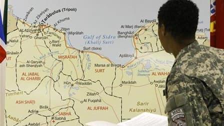 Au siège du commandement sud de l'Otan, à Naples, en avril dernier. L'Alliance atlantique mettra officiellement un terme à son opération militaire en Libye à minuit (heure locale) ce lundi, sept mois après le début d'une campagne aérienne et maritime qui