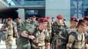 Soldats du 1er RCP de Pamiers et du 35e RAP de Tarbes, sur le tarmac de l'aéroport de Blagnac, à leur retour du Mali le 11 avril dernier.