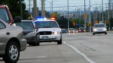Une automobiliste a été sanctionnée pour ses propres erreurs au volant, après avoir appelé la police pour dénoncer l'infraction d'un autre automobiliste.
