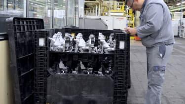 Actuellement, 300 salariés sur les quelque 1.200 que compte l'usine travaillent dans à la production de composants et de sous-ensembles mécaniques, les autres étant au chômage technique.