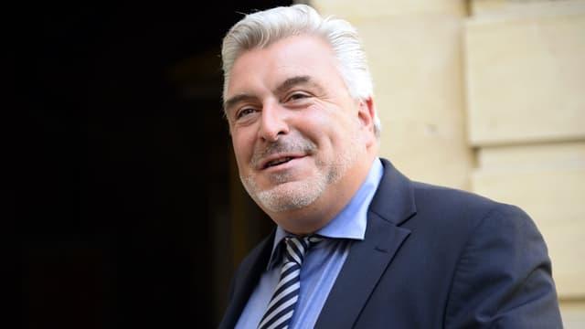 Frédéric Cuvillier affirme que l'Alsace et l'Aquitaine seraient prêtes à prendre en charge la gestion de l'écotaxe.