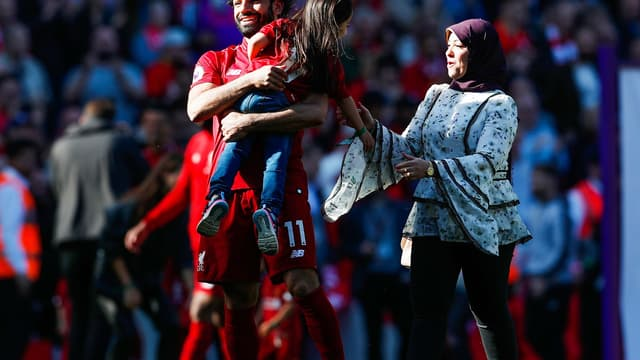 Mohamed Salah, avec sa compagne et sa fille en Premier League.