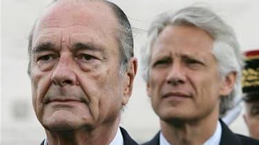 """L'avocat Robert Bourgi a jeté un pavé dans la mare de la """"Françafrique"""" en accusant Jacques Chirac (à gauche) et Dominique de Villepin (à droite) d'avoir reçu pendant dix ans par son intermédiaire des fonds occultes de chefs d'Etat africains. /Photo d'arc"""