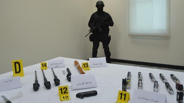 Les armes saisies par la police marocaine lors du démantèlement de cette cellule terroriste ont été présentées à la presse le 19 février, à Rabat.