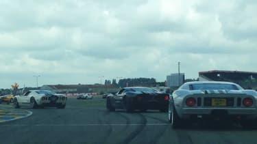 Une centaine de Ford, de la GT40 à la GT et nouvelle GT en passant par la Mustang, ont défilé le 18 juin sur le circuit du Mans, avant le départ des 24 Heures.