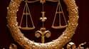 Faute de moyens pour extraire les détenus des prisons, certains tribunaux de l'est de la France ne peuvent plus tenir de procès et le phénomène pourrait s'étendre à tout le pays, affirme l'Union syndicale des magistrats (USM, majoritaire). /Photo d'archiv