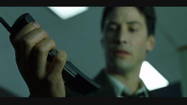 Le Nokia de Néo dans Matrix signe son grand retour