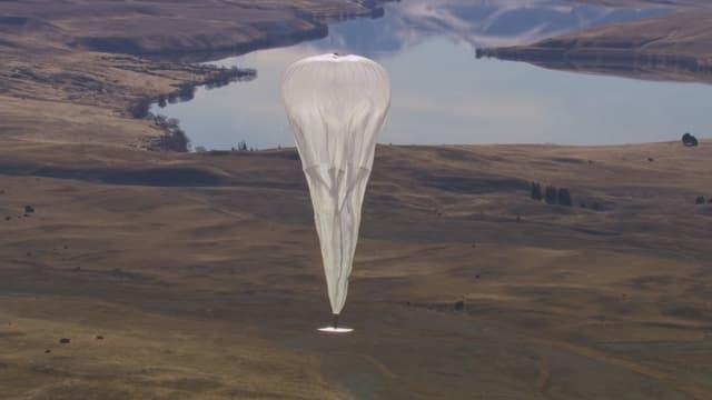 Les ballons du projet Loon volent dans la stratosphère.