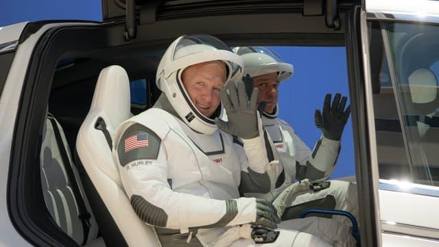 Douglas Hurley et Robert Behnken, les deux astronautes qui doivent décoller avec un vaisseau SpaceX, photographiés le 23 mai 2020.