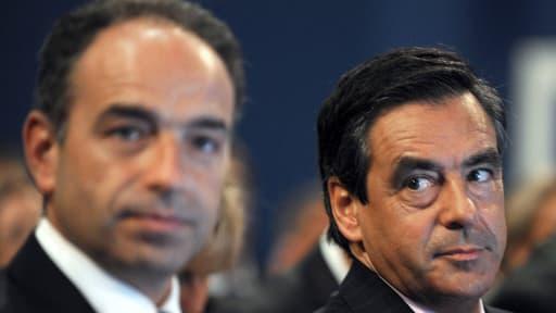 La valse de Copé et Fillon s'éternise, au grand dam des cadres du parti et des militants.