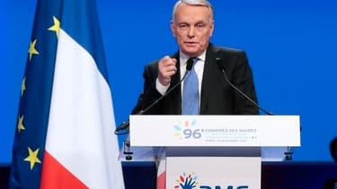 Jean-Marc Ayrault a brossé les élus dans le sens du poil au Congrès 2013 des maires de France