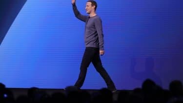 Mark Zuckerberg sur la scène du F8, la grande conférence de Facebook dédiée aux développeurs.