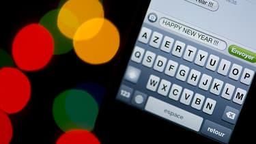 Les Français se sont envoyé moins de SMS qu'ne 2014 pour se souhaiter une bonne année, mais plus de MMS.