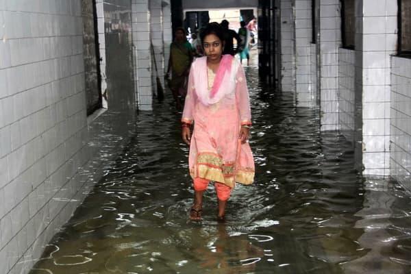 """""""Une partie du rez-de-chaussée a été inondée dimanche après l'engorgement d'un tuyau en raison des fortes pluies"""", a expliqué le responsable de l'hôpital."""