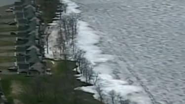 Les vagues de glace ont touché une région située entre le Canada et les Etats-Unis.