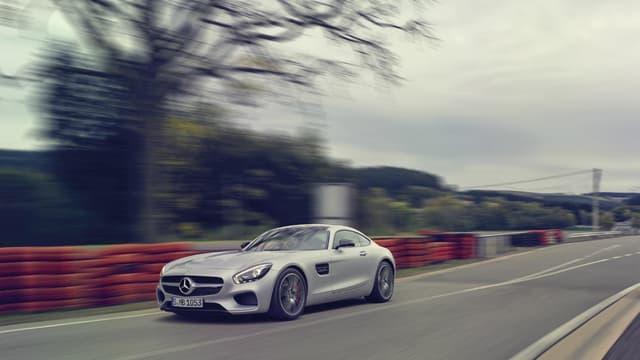 D'ici la fin de l'année, AMG, la division sportive de Mercedes, prépare une version encore plus vitaminée de la GT, la GT R.