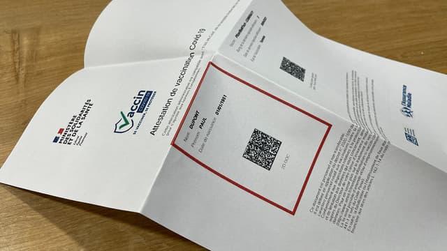 L'Assurance Maladie recommande de plier son attestation de vaccination lors des contrôles de pass sanitaire