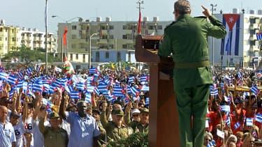 Fidel Castro en 2000 lors d'une commémoration