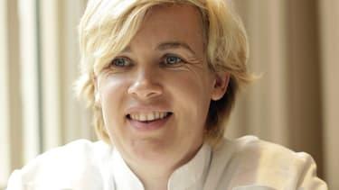 """Hélène Darroze est élue """"meilleure femme chef"""" du monde pour l'année 2015."""