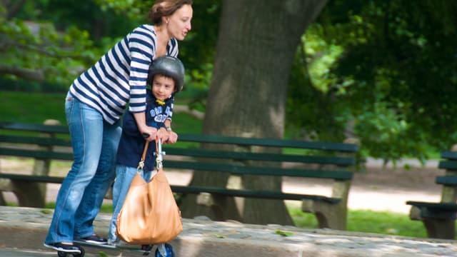 Ceux qui emploient une baby-sitter par exemple, touchent un crédit d'impôt de 50%, mais avec une année de décalage.
