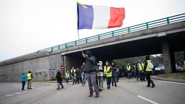 Rassemblement de gilets jaunes à Sorgues, près d'Avignon, le 16 novembre 2019