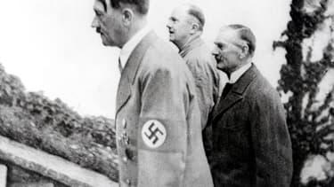Le dernier uniforme d'Hitler a été vendu aux enchères en Allemagne.