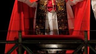 La comparaison faite vendredi par le prédicateur attitré du Vatican entre les attaques contre le pape Benoît XVI au sujet des scandales de pédophilie et les pratiques de l'antisémitisme a suscité une levée de boucliers parmi les organisations juives dans
