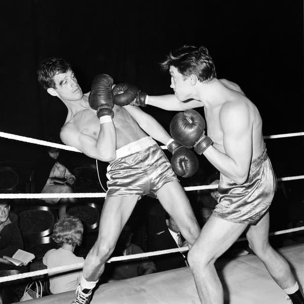Jean-Paul Belmondo lors d'un combat de boxe