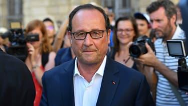 François Hollande à la mairie de Arles le 21 juillet 2017.