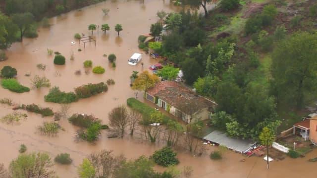 Roquebrune-sur-Argens et le Muy sous les eaux en raison des crues liées aux fortes pluies qui touchent le Sud-Est depuis vendredi soir.
