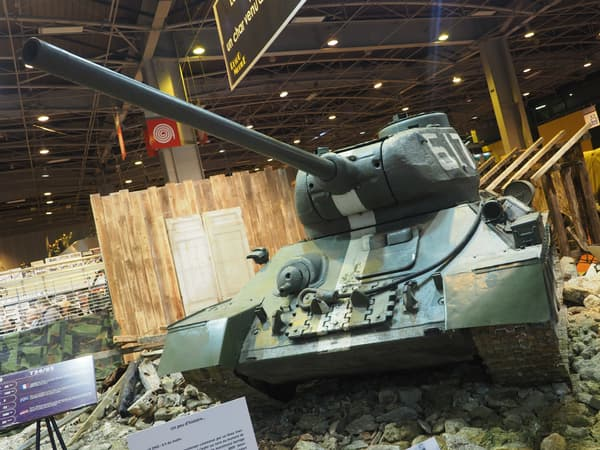 Le T34 pesait 32 tonnes, mais était capable d'aller à la vitesse de 55 km/h.
