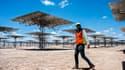La centrale Cerro Dominador a été construite par l'espagnol Acciona et Abengoa, grâce à l'investissement de plus de 800 millions de dollars du fonds américain EIG Global Energy Partners.