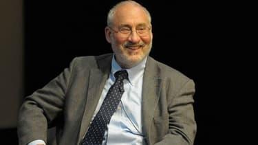 Le Nobel de l'Economie Joseph Stiglitz a critiqué l'euro et la troïka devant des étudiants italiens.
