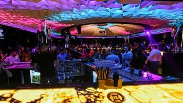 Soirée en discothèque, le 30 avril 2021 à Sofia, en Bulgarie