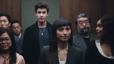 "Shawn Mendes et Alisha Boe dans le clip de ""Lost in Japan"""