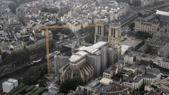 Vue aérienne de Notre-Dame de Paris le 12 juillet 2021.
