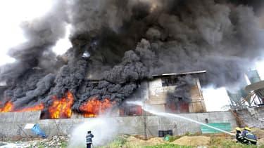 Au moins 28 personnes sont mortes dans l'incendie d'une usine à chaussures des Manilles