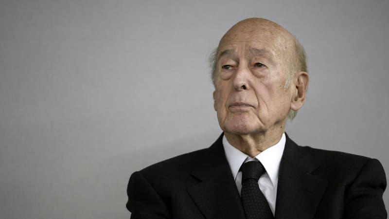 EN DIRECT - Mort de Valéry Giscard d'Estaing: Emmanuel Macron s'adresse aux Français
