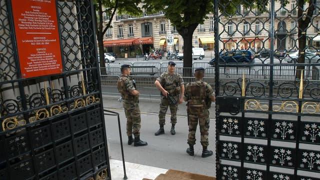 7.000 militaires sont mobilisés pour surveiller des points névralgiques en France