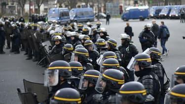 Des CRS lors d'une manifestation à Paris le 23 février 2017 (photo d'illustration)