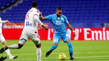 Dimitri Payet arme une frappe face à Marcelo