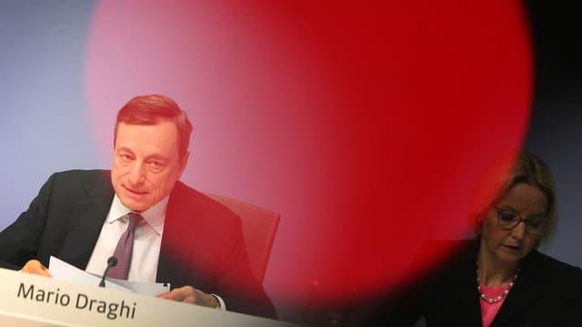Mario Draghi estime que le protectionisme fait peser des risques sur la croissance en Europe.