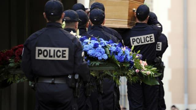 Les funérailles d'un policier de la BAC, Eric Lales, décédé en 2011 après avoir été blessé par balles à Vitrolles.