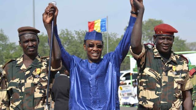 Le président tchadien, Idriss Déby, remercie les soldats et les militaires pour leur combat contre Boko Haram à N'djamena, capitale du pays, le 11 décembre 2015. (Photo d'illustration)